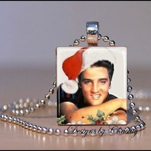 Elvis 🕺🏻 Presley Christmas Charm Necklace
